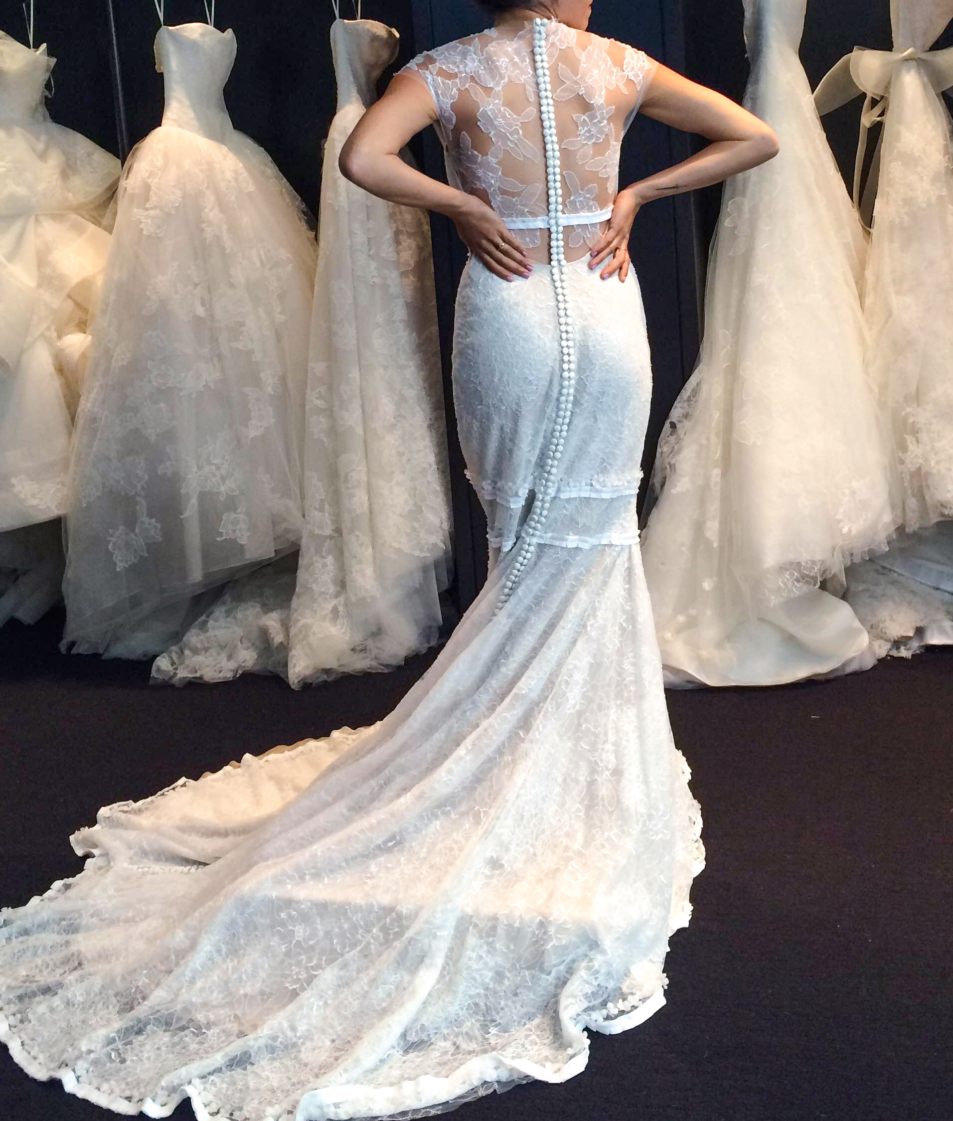 finding_wedding_Dress_Frankvinyl